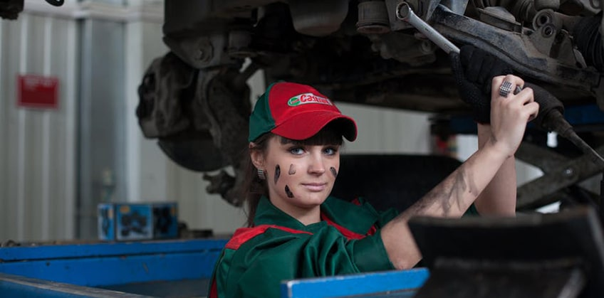 9 Tips for Landing Awesome Auto Mechanic Jobs