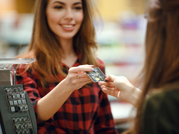 Pulling In Cash: How to Find the Best Cashier Jobs Near You